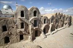 Fachadas de los castillos de Ksar Hadada